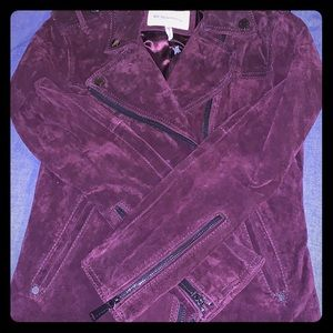 100% suede jacket with ruffles back